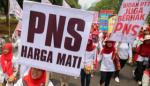 Seluruh bidan PTT dan dokter PTT yang jumlahnya sekitar 43 ribu sedang diproses menjadi CPNS